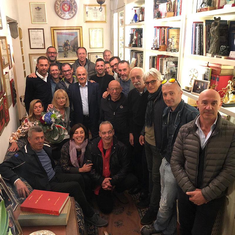 Consueta visita dello Staff azzurro della FCI a casa del grande CT Alfredo Martini (1921-2014) con le figlie Silvia e Milvia.